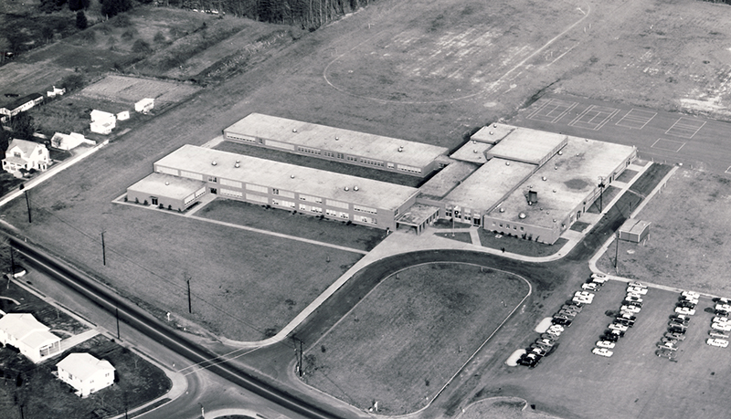 Black and white aerial photograph of Mark Twain Intermediate School taken during the 1960s.